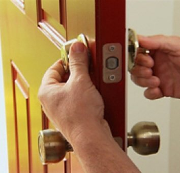 Neighborhood Locksmith Store West Roxbury, MA 617-514-9930